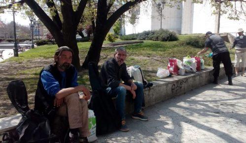 Akcija prikupljanja hrane za beskućnike u Novom Sadu 6