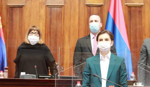 Skupština usvojila odluku o uvođenju vanrednog stanja i donete uredbe 4