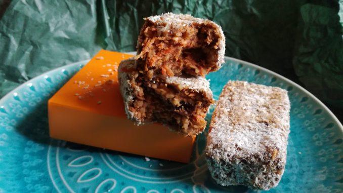 Kolač sa šargarepom i urmama (recept) 6