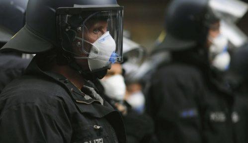 Protest protiv socijalnog distanciranja u Nemačkoj 8