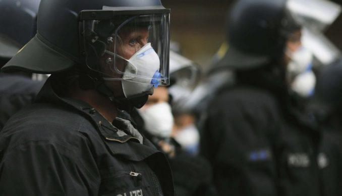 Nemačka: Protest protiv protesta 1