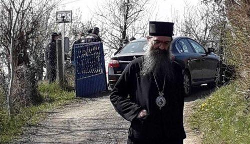 Prvo hapšenje zbog vernika na liturgiji 12