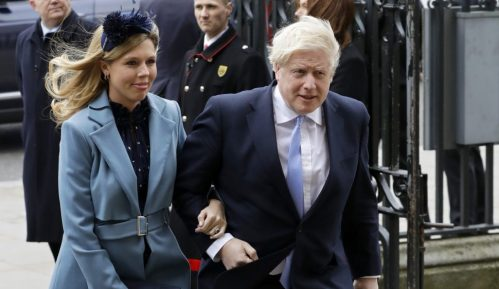 Boris Džonson i njegova verenica dobili dečaka 2