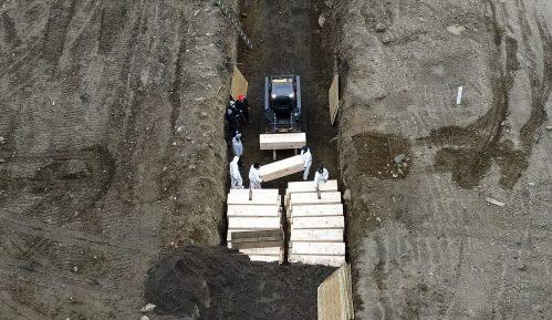 Njujork: U zajedničku grobnicu sahranjuje se dnevno i više od 20 preminulih od korone 12