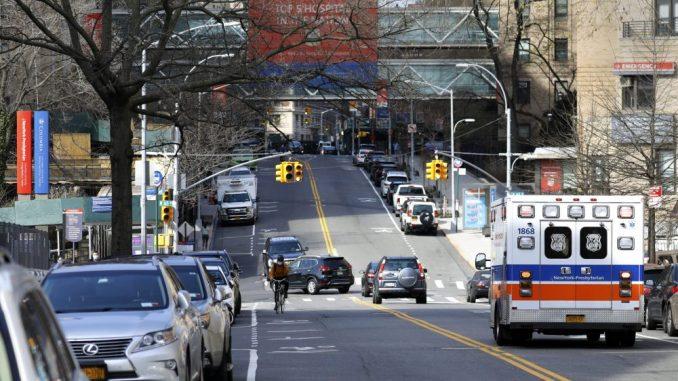 Njujork uvodi karantin za građane 16 američkih država 1