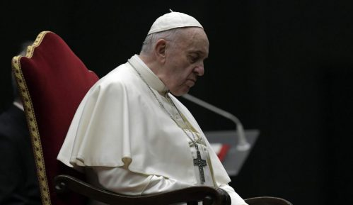 Vatikan ispituje kako je sa papinog Instagrama lajkovana slika obnažene Brazilke 1