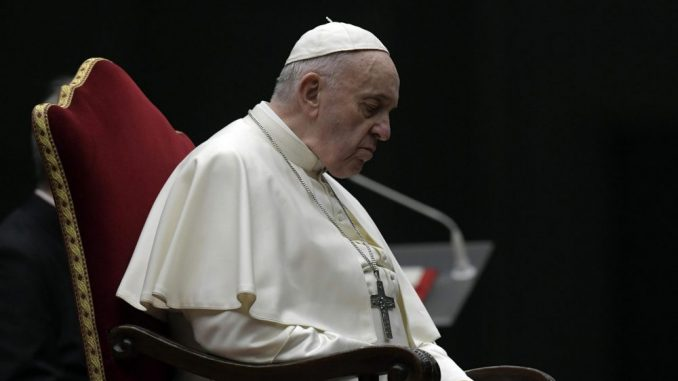 Papa poručio Bajdenu da se moli da ga Bog vodi u naporima da donese pomirenje u SAD 1