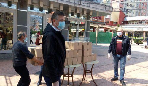 Vlasnik Kafe kluba ''Kengur'' iz Pirota poklonio 500 vizira zdravstvenim radnicima 3
