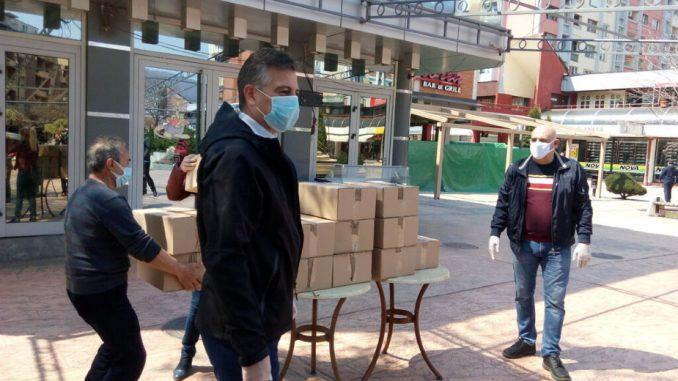 Vlasnik Kafe kluba ''Kengur'' iz Pirota poklonio 500 vizira zdravstvenim radnicima 4
