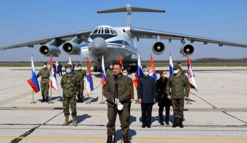 Ministarstvo odbrane: Jedanaest aviona dopremilo medicinsku pomoć iz Rusije 9