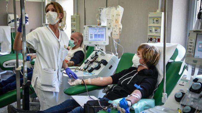 Terapija krvnom plazmom treba da premosti period bez leka i vakcine 4