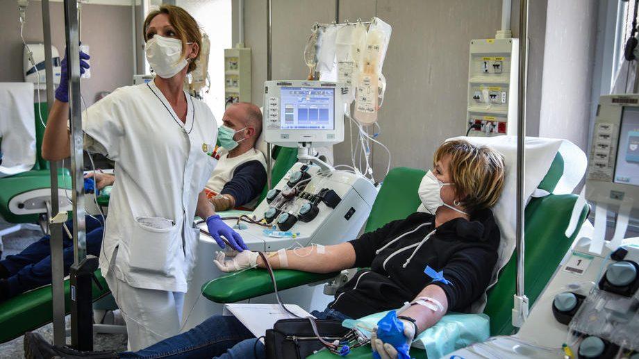 Terapija krvnom plazmom treba da premosti period bez leka i vakcine 1