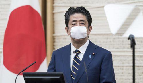 Kritike japanskom premijeru zbog poruke o ostajanju kod kuće 7