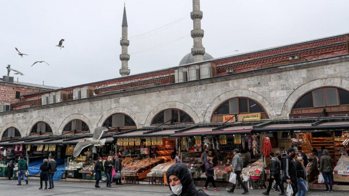 Turska ublažila mere ali policijski čas je i dalje na snazi 3
