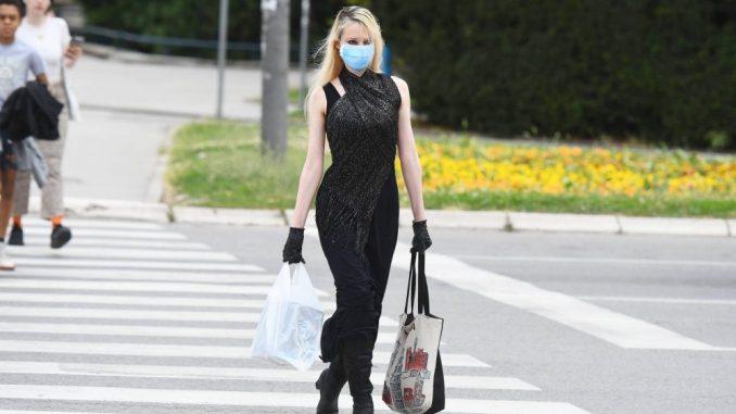 Teret epidemije podnele su žene 1