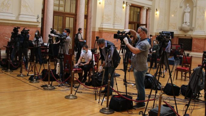 UNS: Broj nezaposlenih novinara smanjen za devet odsto 3