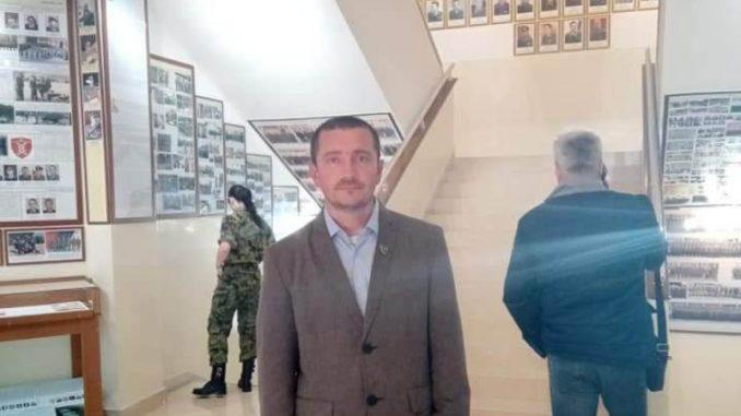 """Predsednik sindikata """"Sloga"""" u Ministarstvu odbrane prinuđen da napusti kuću u koju je smešten 3"""
