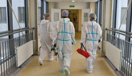Infuziju daju u hodnicima bolnice 6