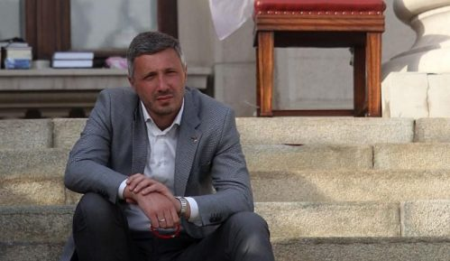 Dveri: Suđenje Obradoviću zbog protesta ispred Skupštine Srbije 11