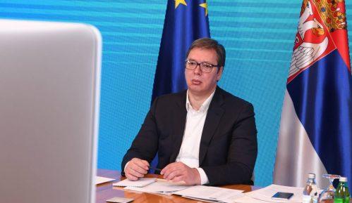 Vučić: Prioriteti izbornog programa SNS su zdravstvo, obrazovanje i investicije 14