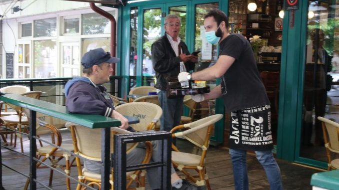 """Korona virus: Počeo gradski prevoz u Beogradu, prvi čovek UN tvrdi da je pandemija izazvala """"cunami ksenofobije"""" 4"""