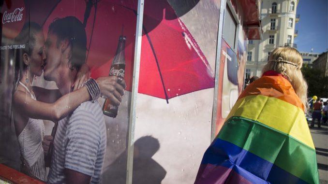"""LGBT, reklame i brendovi: Može li flašica soka da """"proda"""" ravnopravnost LGBT ljudi u Srbiji i regionu 4"""