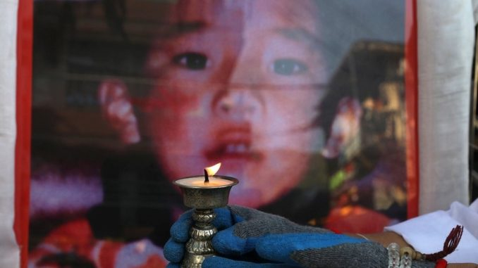 """""""Reinkarnirani"""" lider tibetanskog budizma koji je nestao pre 25 godina kada je bio šestogodišnjak 3"""