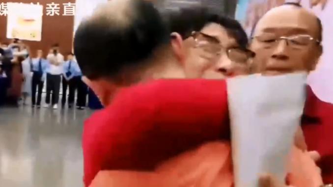 Otmice u Kini: Roditelji pronašli sina otetog pre 32 godine 4