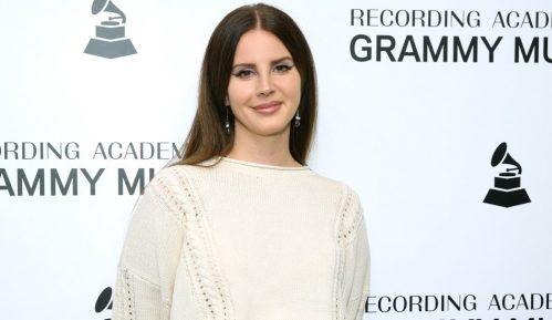 """Lana Del Rej: """"Ne veličam zlostavljanje"""" 21"""