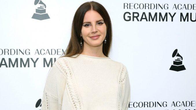 """Lana Del Rej: """"Ne veličam zlostavljanje"""" 3"""