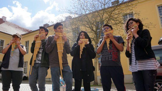 Korona virus: Bolivijski orkestar zaglavljen u nemačkom zamku 2