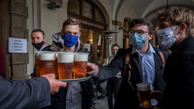 Korona virus: U Srbiji nema preminulih u poslednja 24 sata, u Australiji počinje ispitivanje vakcine na ljudima 4