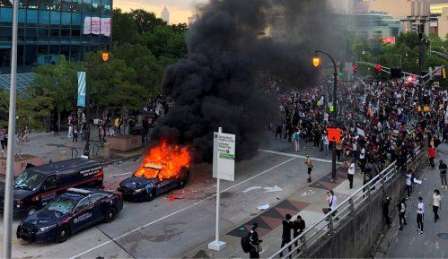 Smrt Džordža Flojda: Policijski čas u gradovima širom Amerike usled velikih nemira 21