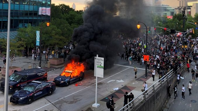 Smrt Džordža Flojda: Policijski čas u gradovima širom Amerike usled velikih nemira 3