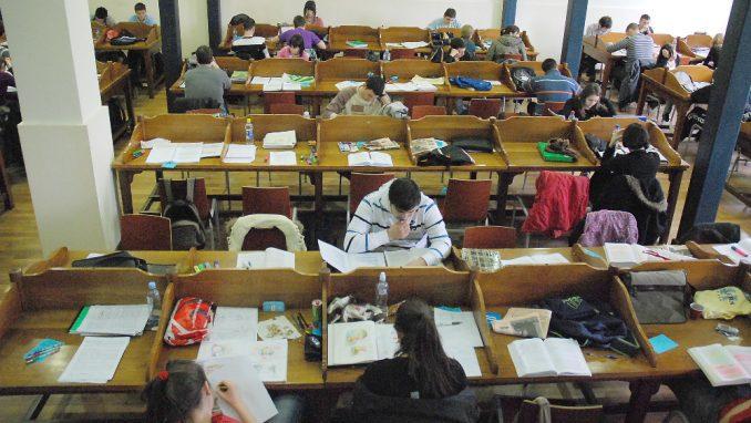 Oko polovine studenata smatra da su predavanja na fakultetima bolja nego onlajn 4