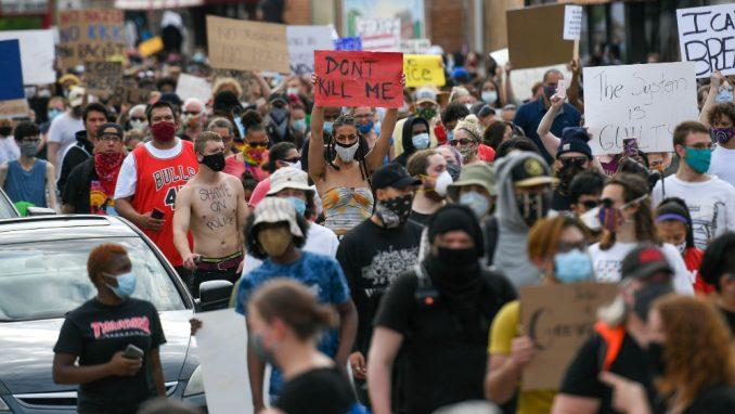 Protesti zbog ubistva crnca u Mineapolisu 2
