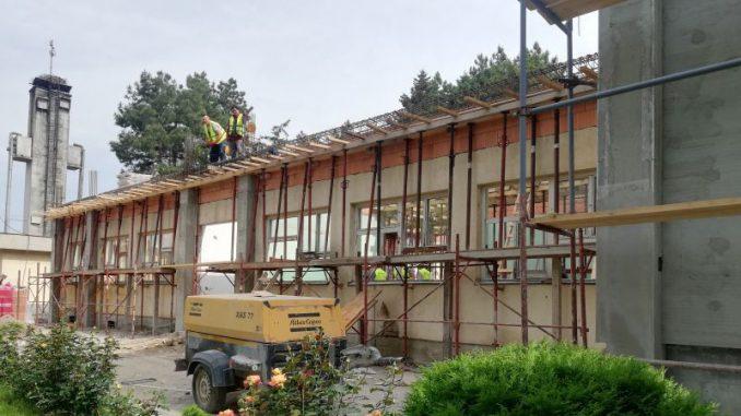Počela kompletna rekonstrukcija škole u Majuru 2