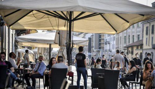 Italijanski premijer zabrinut jer se građani suviše okupljaju po kafeima 15