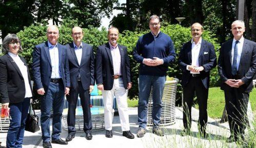 Vučić sa ambasadorima Kvinte: Važno da sve stranke imaju fer kampanju 6