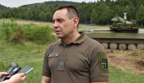 Izgradnja nove kovid bolnice u Batajnici teče po planu, gradilište obišao Aleksandar Vulin 6