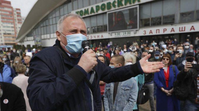 Oko 1.000 Belorusa protestovalo zbog odluke Lukašenka da se bori za šesti mandat 4