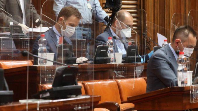Otvoreni parlament: Za četiri godine zapaljiva retorika, zloupotrebe procedura i bojkot 3