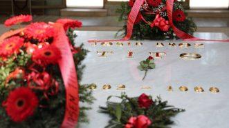 Kuću cveća danas posetio mnogo manji broj ljudi nego prethodnih godina (FOTO) 6