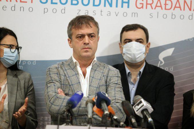 PSG: Upotreba fizičke sile dokaz da je Vučić spreman da brani vlast po cenu života 4