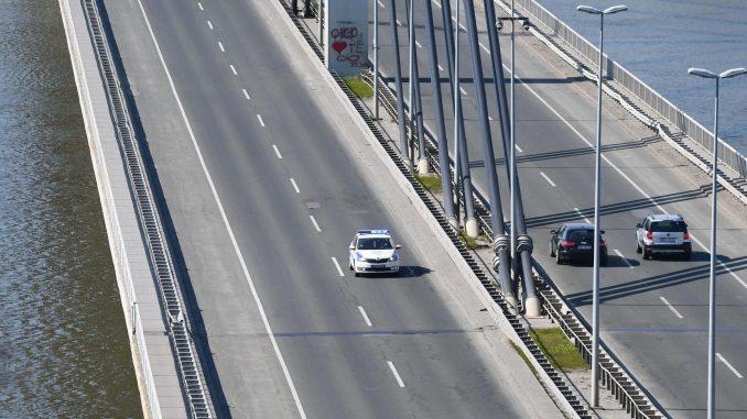AMSS: Opreznija vožnja zbog pojačanog saobraćaja i mokrih kolovoza 2