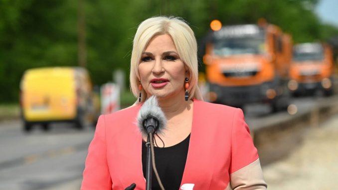 """Mihajlović: Umesto što napada Fruškogorski koridor, DS da pogleda koliko je koštao """"Most na Adi"""" 4"""