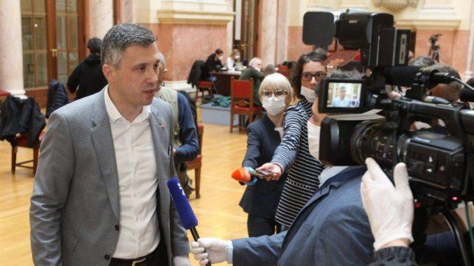 Boško Obradović sutra u tužilaštvu zbog sukoba pred Skupštinom Srbije 1