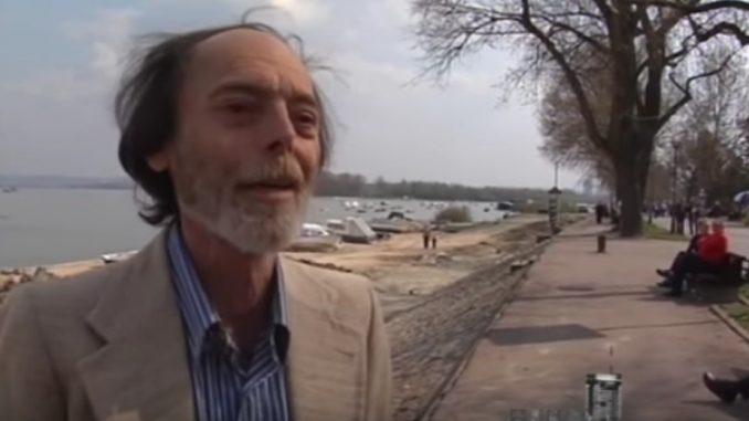 Spomen-klupa Branku Najholdu na Zemunskom keju 4