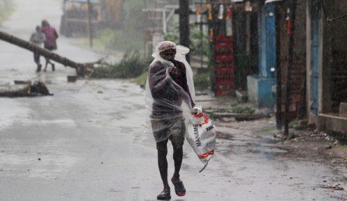 U ciklonu u Indiji i Bangladešu stradalo 20 ljudi 10