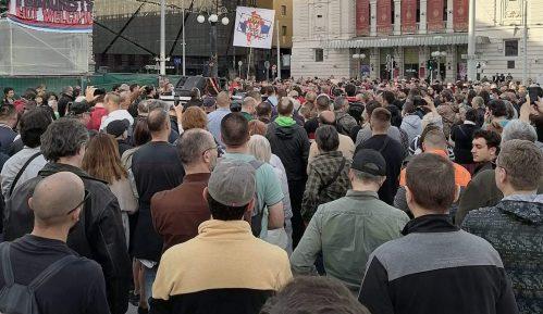 Protest protiv vlasti na beogradskom Trgu Republike 12